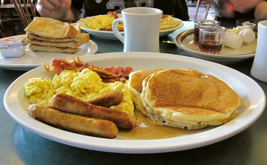 breakfast served in a diner